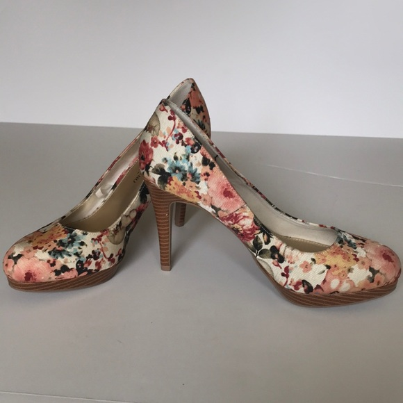 aabda971279 Christian Siriano for Payless floral heels